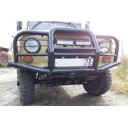 Силовой бампер на УАЗ 469 Хантер передний Лесник с площадкой под лебёдку